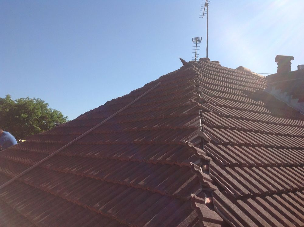 Tiled Roof repairs & repointing Camberley